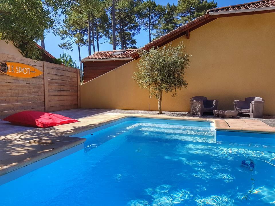 LeSpot et sa piscine, Messanges